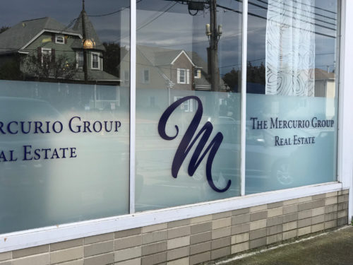 Mercurio Group Glass Lettering 03